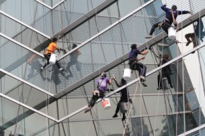 אחזקת מבנים הנה עבודה מורכבת וחייבת להתבצע על ידי בעלי מקצוע מנוסים